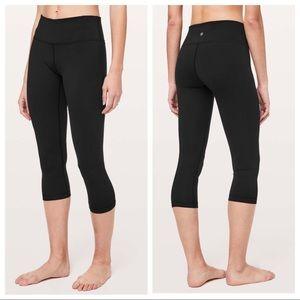 lululemon / black crop workout yoga leggings